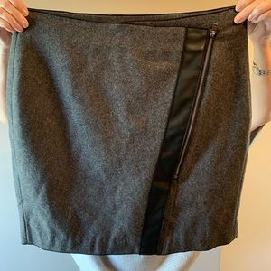 Adorable leather and wool Banana Republic skirt